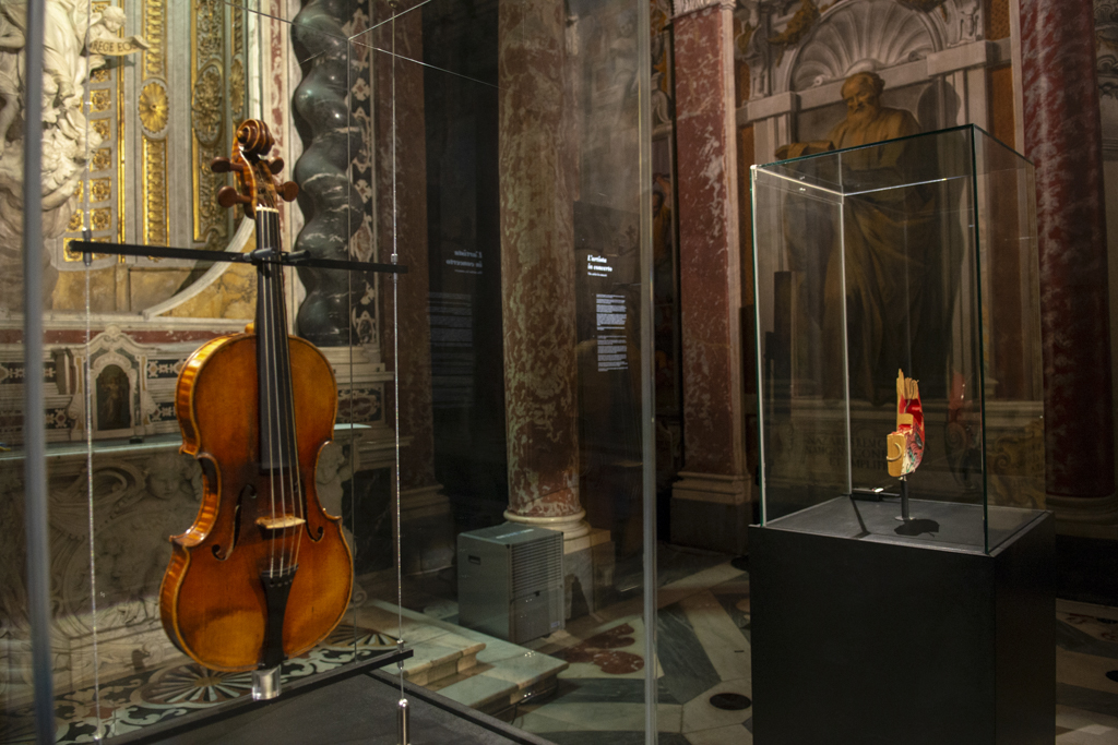 """Instrument of the devil,"""" legendary violin comes to Columbus"""
