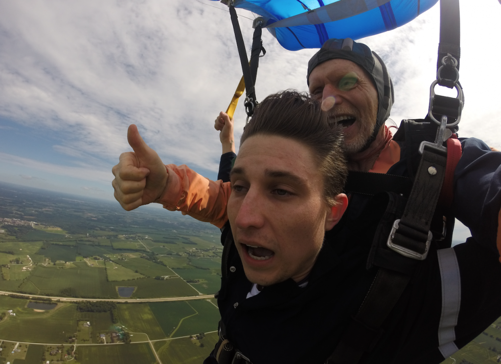 Free Falling: Ohio Skydiving School will change your